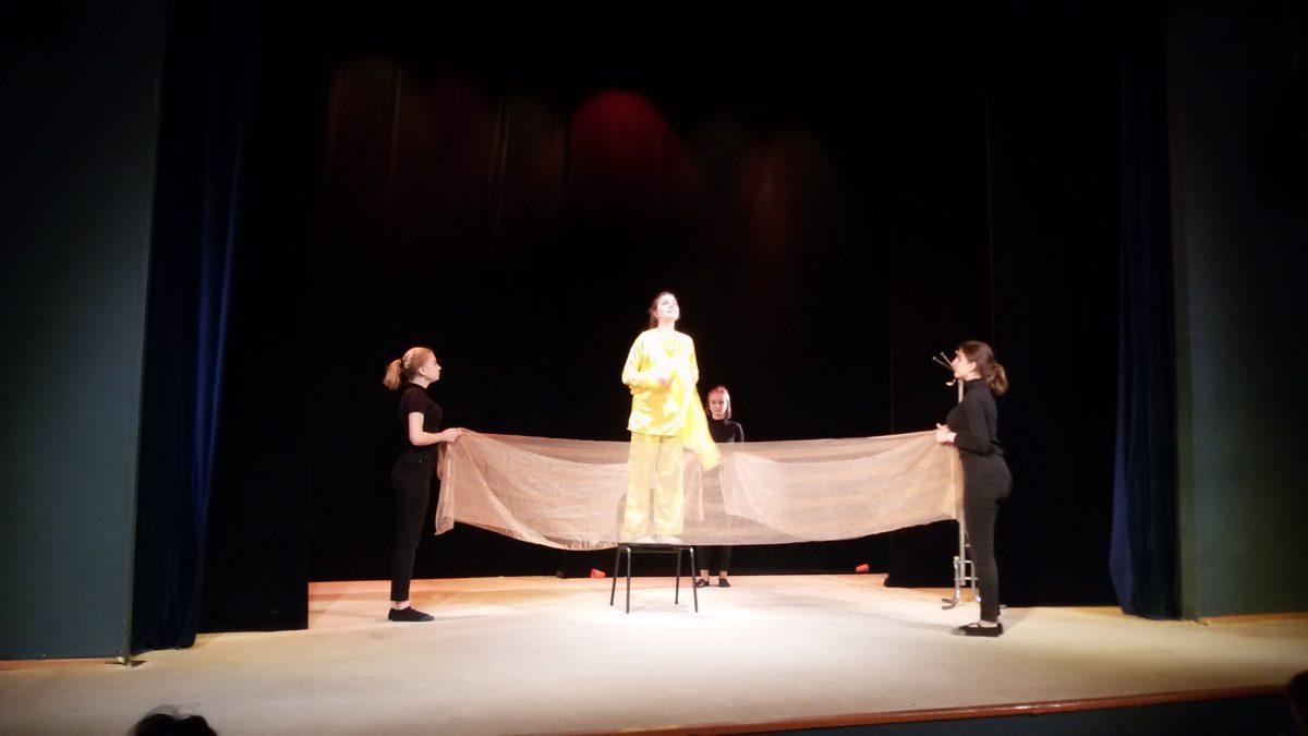 В Астрахани выбрали самую театральную семью