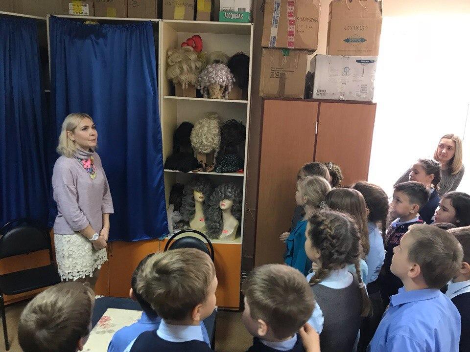 Астраханцы совершили путешествие в страну театрального закулисья